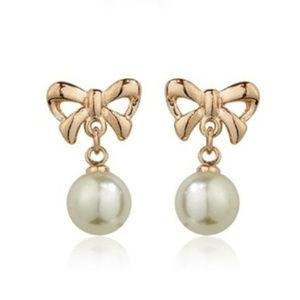 Jewelry - 18K Gold Filled Bow 'n Pearl Earrings